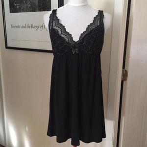 NWT Women's FLORA Black Lace Chemise, Size M